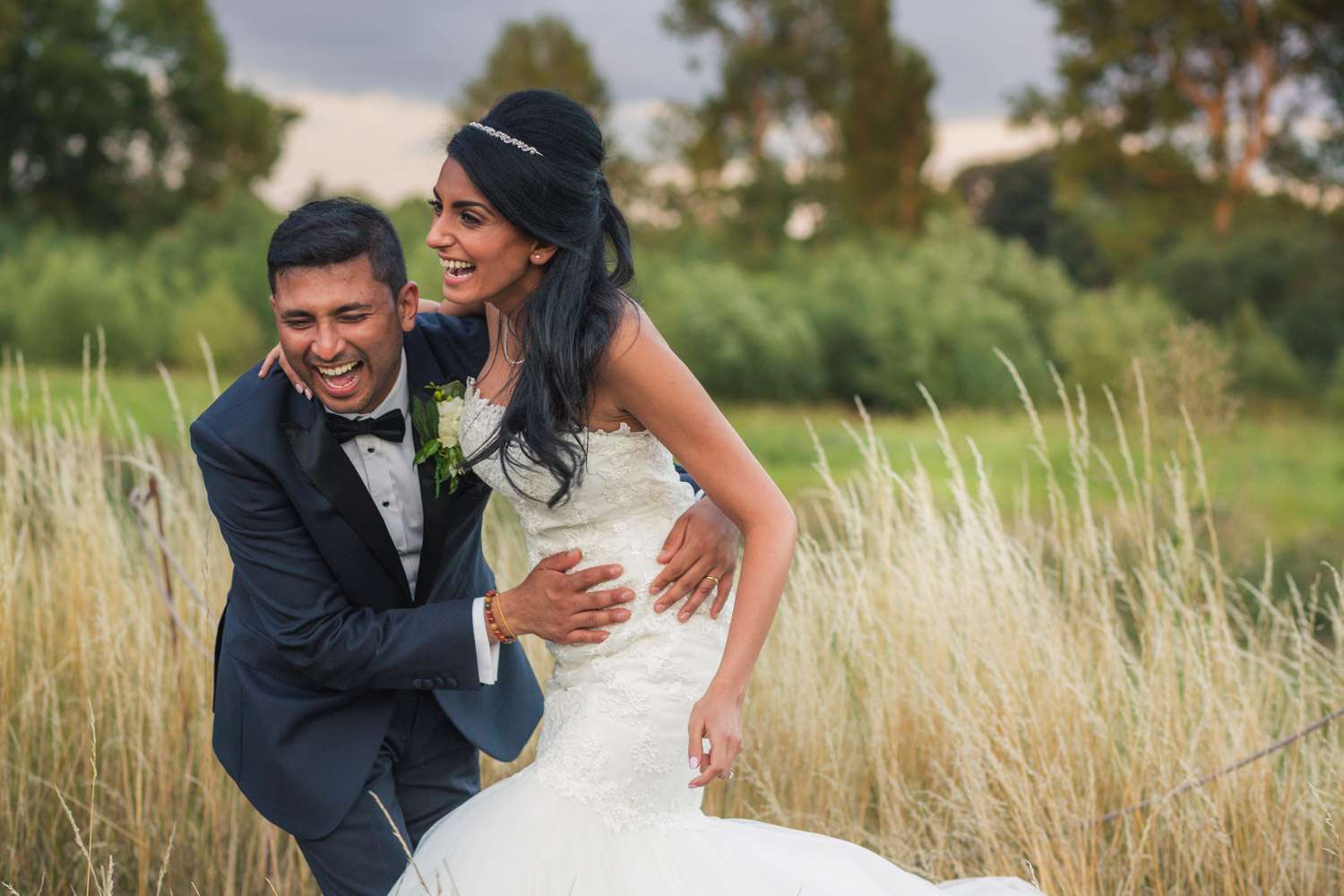What is a destination wedding photographer?